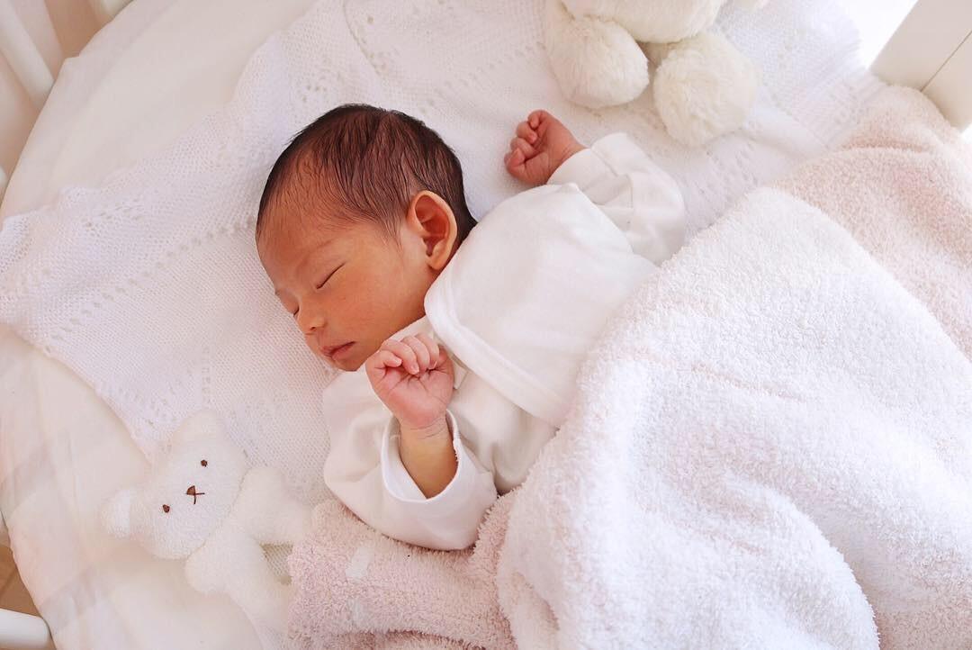 生まれたばかりの妹尾ユウカさんのお子さんの画像