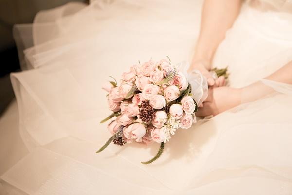 結婚したいアラサー女性の画像