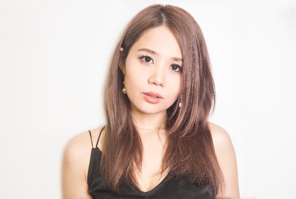 鈴木涼美さん紹介画像