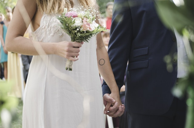 結婚相談所で知り合い結婚したカップルの画像