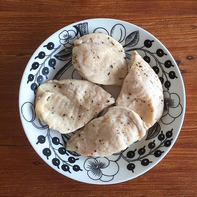 手作りサラダチキンの画像