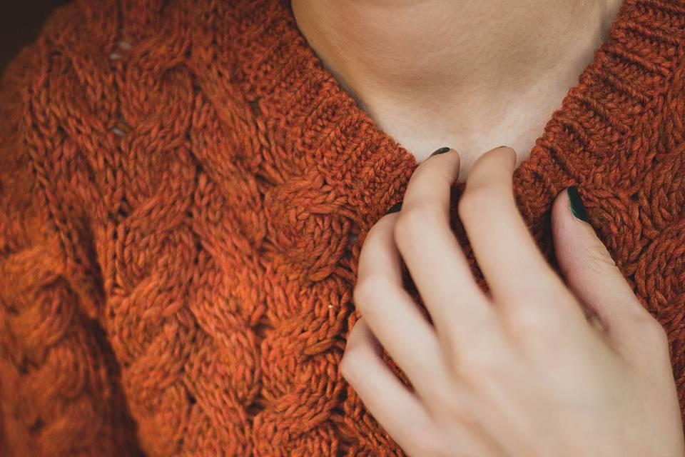 秋冬物のセーター画像